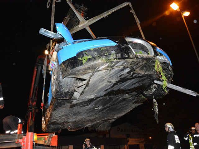 Bugatti-Veyron-crash-01