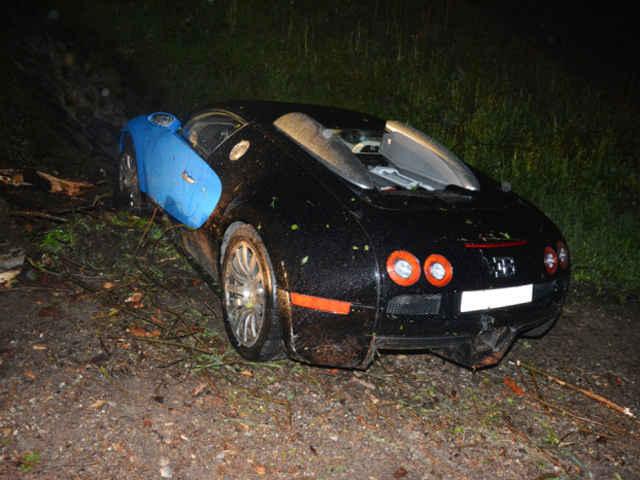 Bugatti-Veyron-crash-04