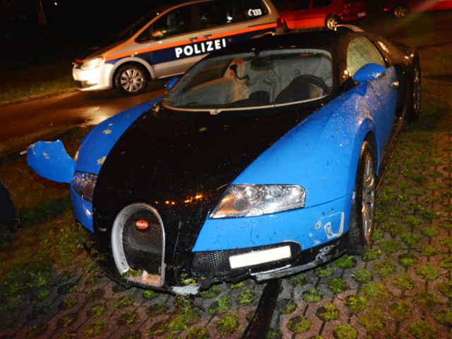 Bugatti-Veyron-crash-05