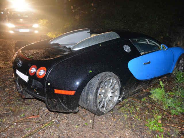 Bugatti-Veyron-crash-06