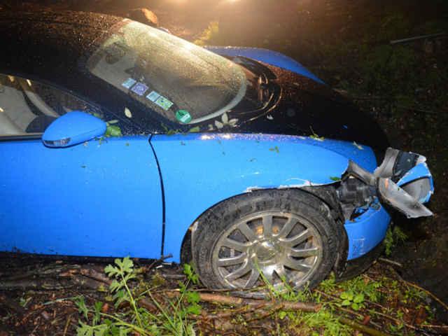Bugatti-Veyron-crash-08