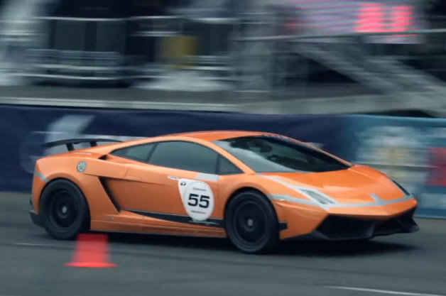 Lamborghini-Gallardo-Underground-Racing-catches-fire