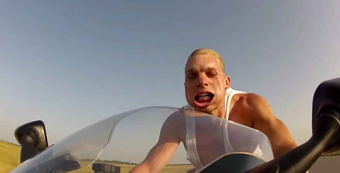 alh-riding-motorcycle-at-150-mph-with-no-helmet