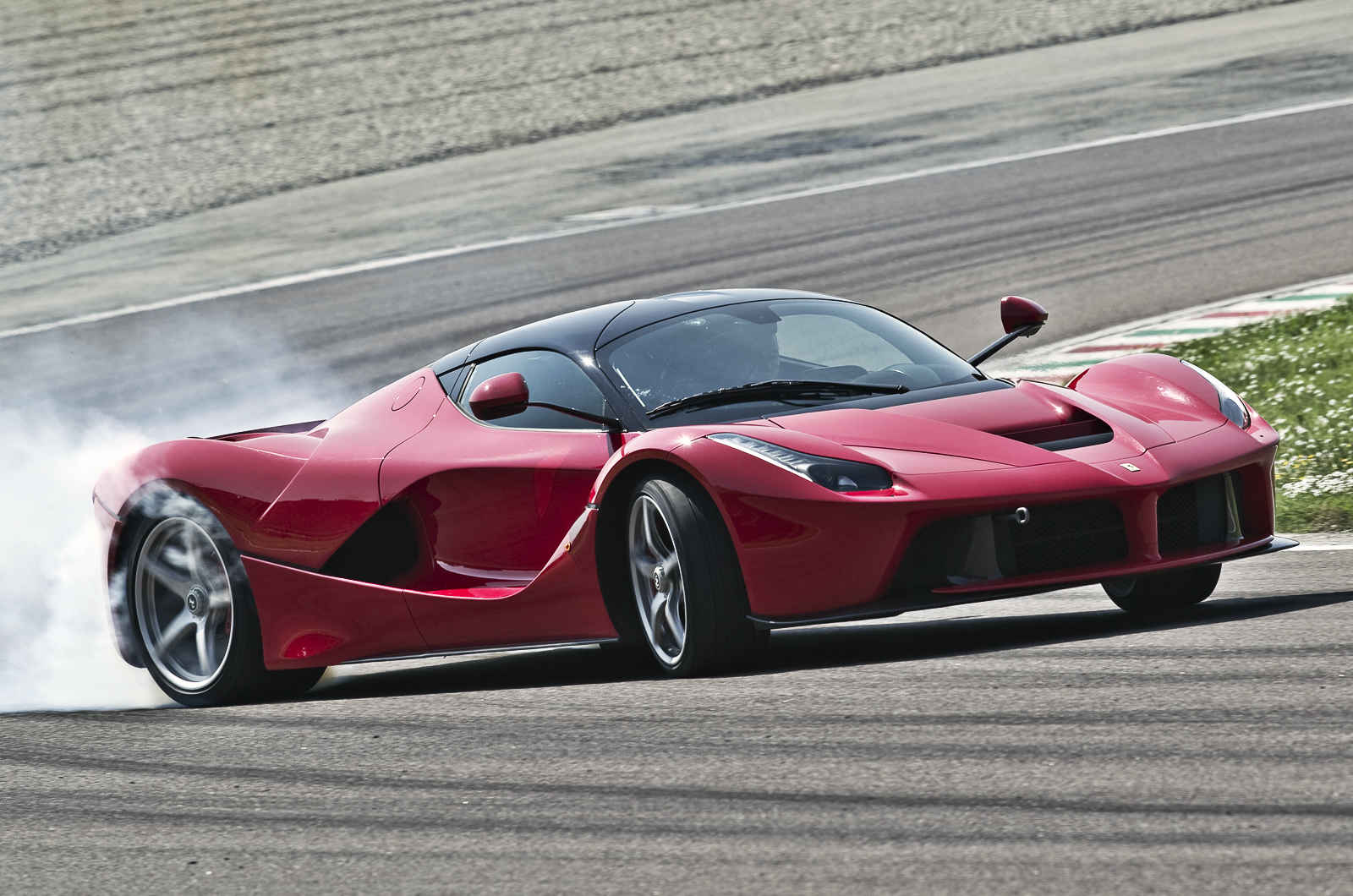 essai-video-laferrari-autocar-uk-1