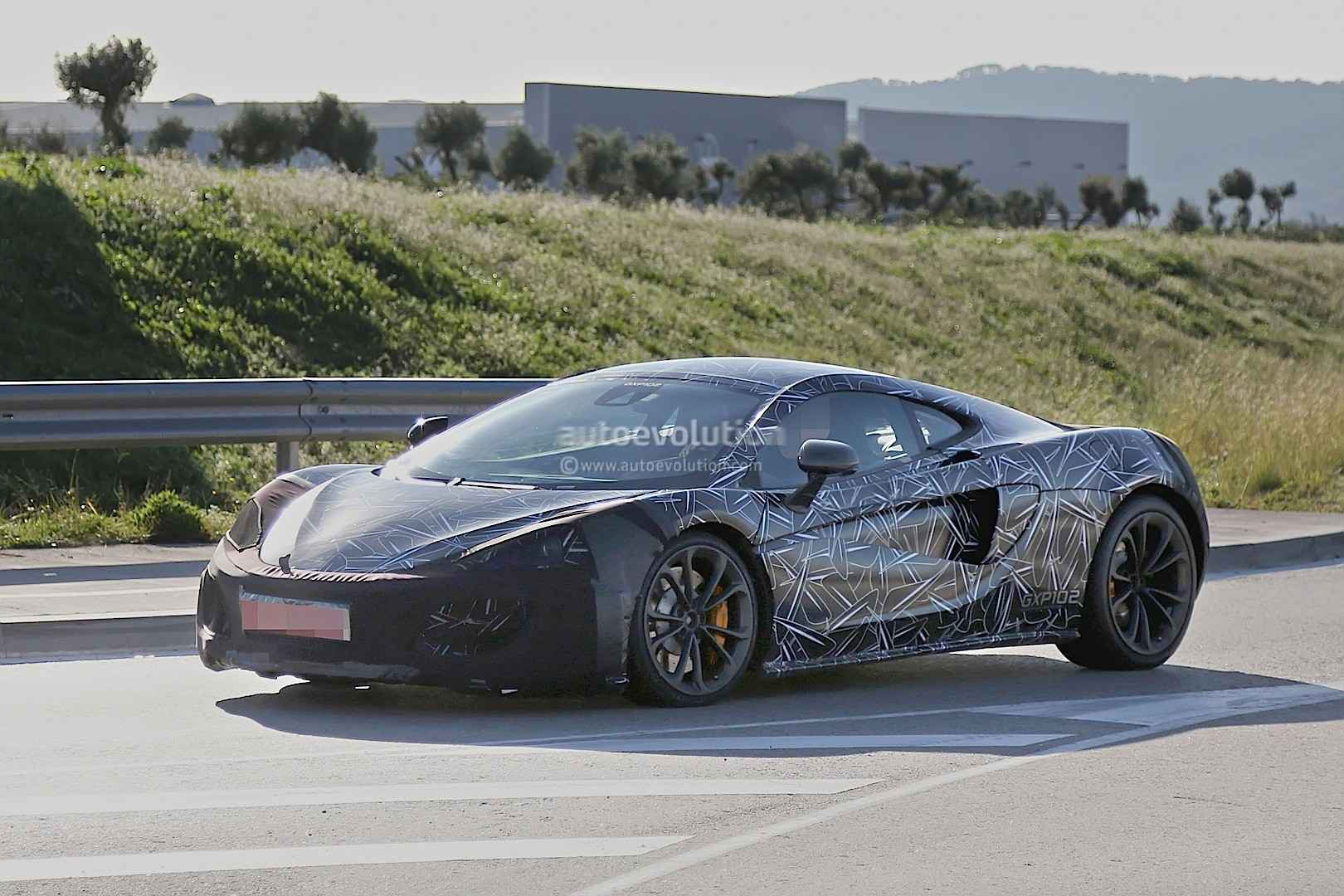 mclaren-sport-series-may-be-baptized-in-a-similar-fashion-to-the-650s-to-make-well-over-500-hp_2