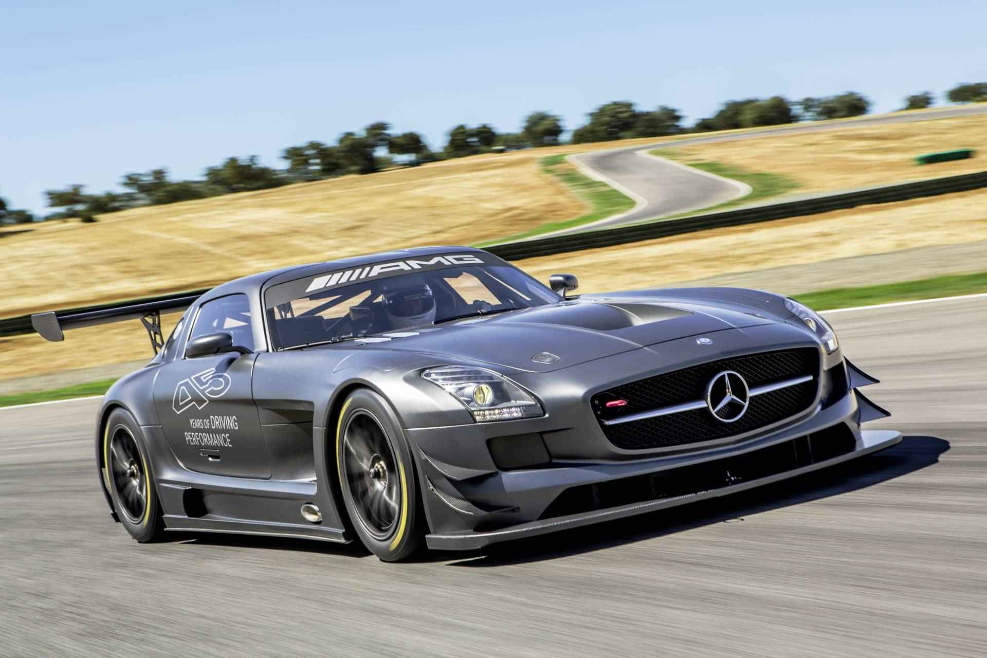 Mercedes-SLS-AMG-GT3-45th-Annv-2013-008