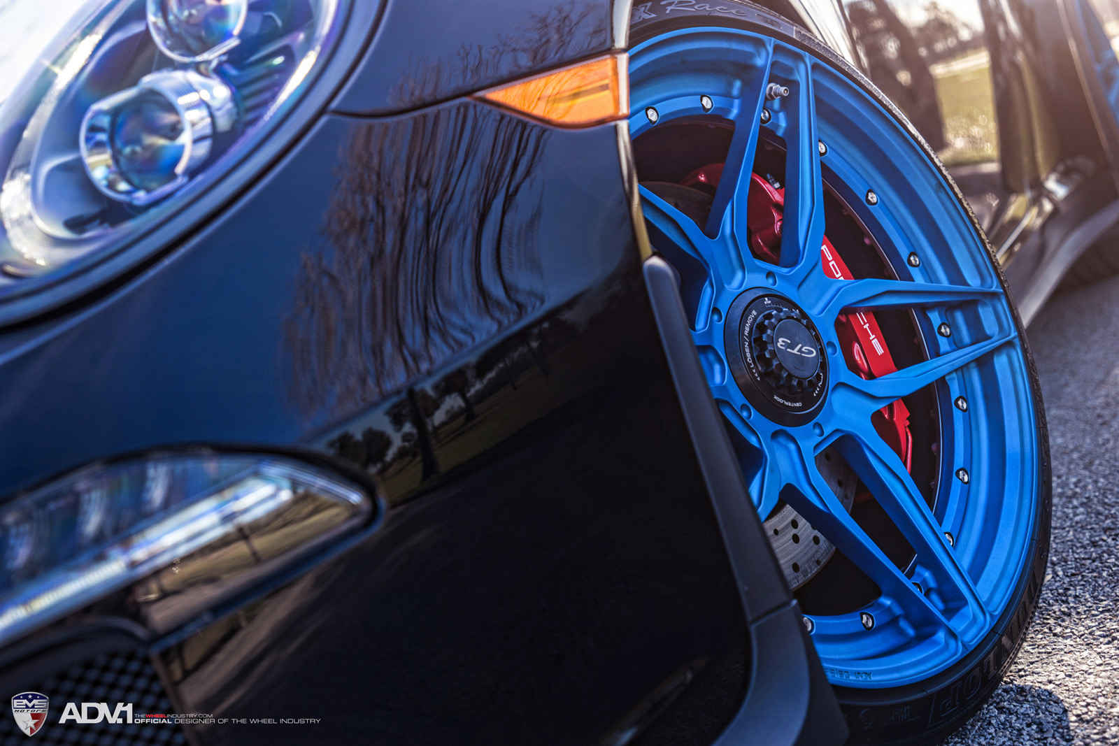 adv1-porsche-991-gt3-adv05s-mv2-sl-custom-forged-2-piece-concave-wheels-blue-07
