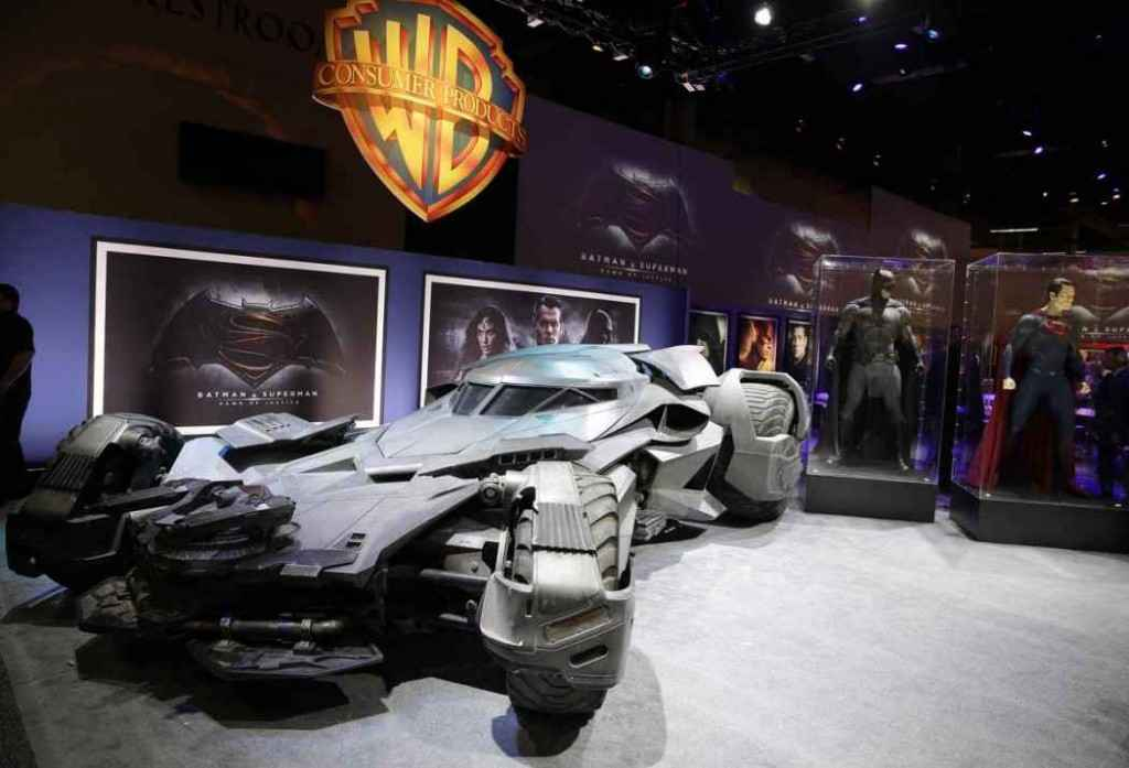 Batman-v-Superman-batmobile-7