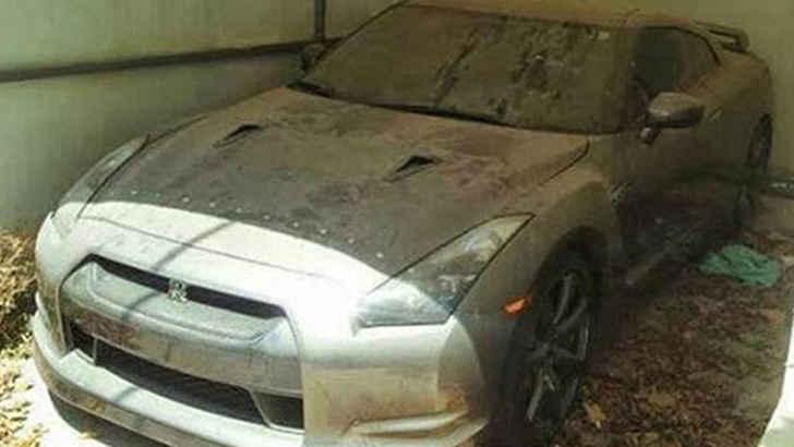 Abandoned Cars Of Dubai Auto Overload